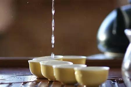 你必须知道的泡茶用什么水质